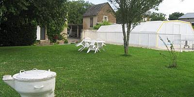 Gites ruraux d 39 aveyron en location quins for Gite piscine aveyron